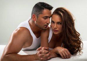 Говорите в постели. Регулярный секс в семье — это хорошо и полезно. Как разнообразить секс, чтобы муж, жена не изменяли. Смотреть фото на https://sexbox.online/
