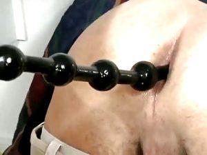 гей секс анал анальные шарики в попе