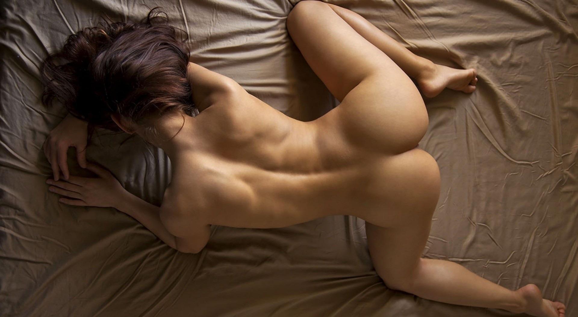 Почему вы девушки любите во время минета стимулировать мужско анус 23 фотография