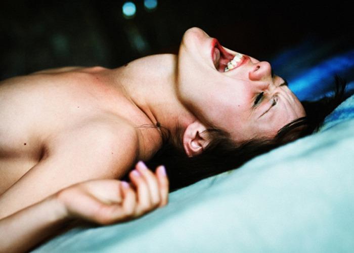 Как довести девушку до струйного оргазма