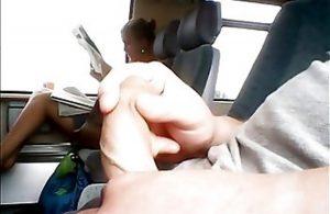 мастурбация парень в автобусе