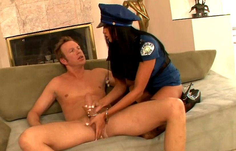 Ролевые игры с переодеванием мужчины в женщину порно видео онлайн фото 7-630