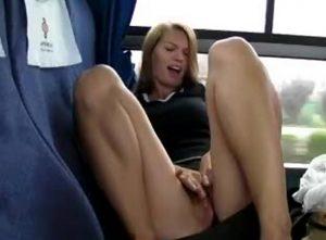 скрытая мастурбация в поезде
