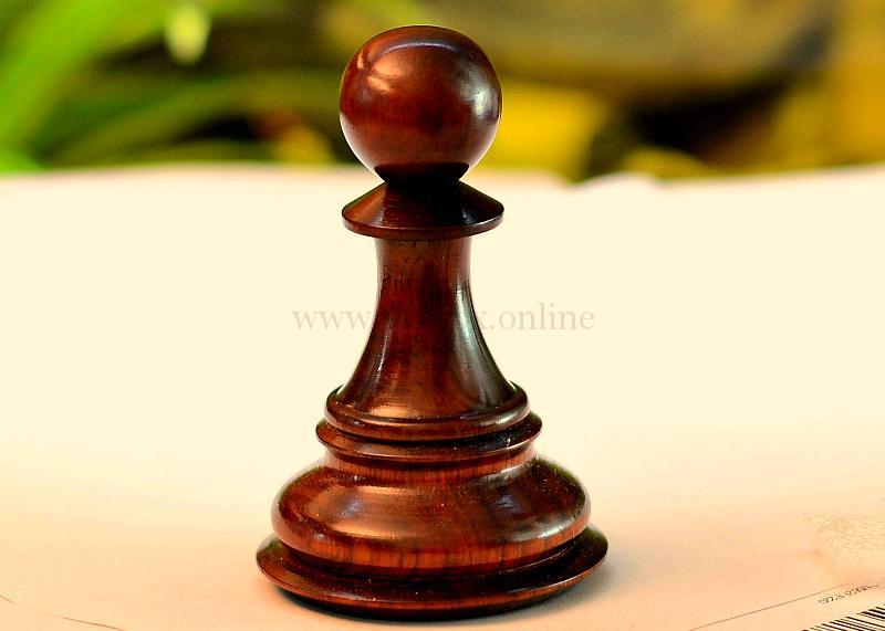 шахматная пешка - секс-игрушка для попки