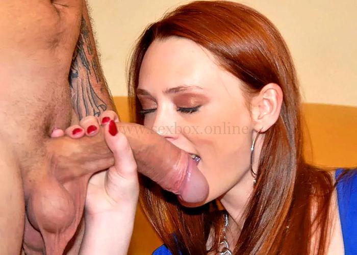 Запах спермы. Женщина нюхает сперму