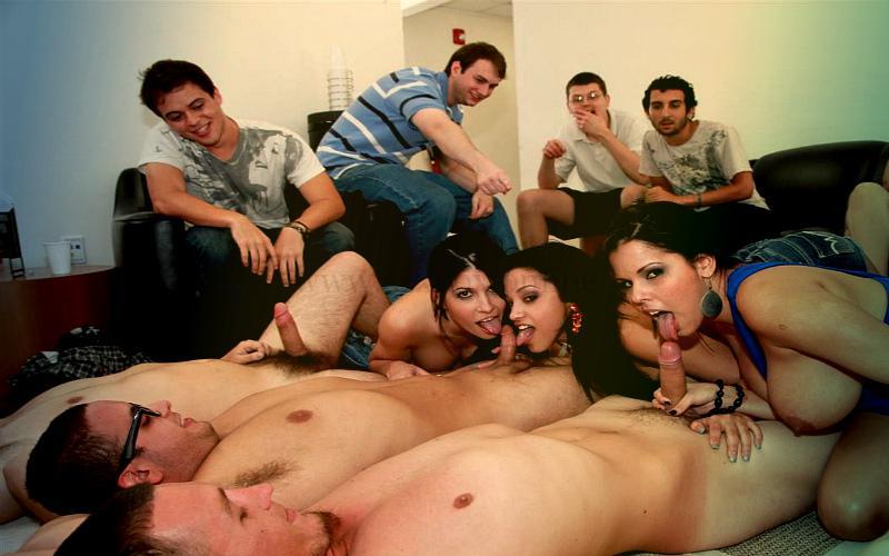 Фото: домашняя оргия. Смотреть групповуху русских молодых бесплатно онлайн