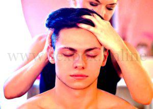 Как стимулировать эрогенную зону у мужчин. Массаж головы.