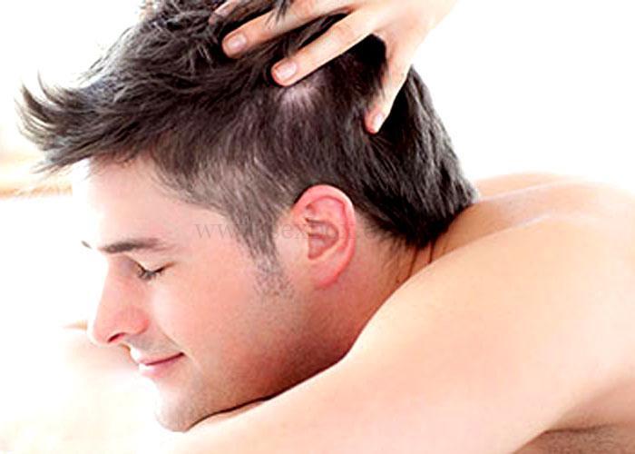 Поглаживание по росту волос