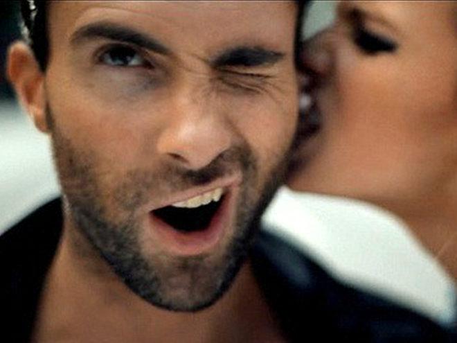 Как стимулировать эрогенную зону у мужчины ухо