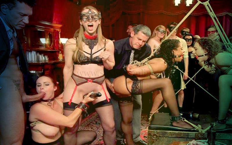 Фото: секс-вечеринка в стиле БДСМ