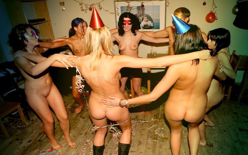 Фото: грязные танцы на вечеринке с оргией