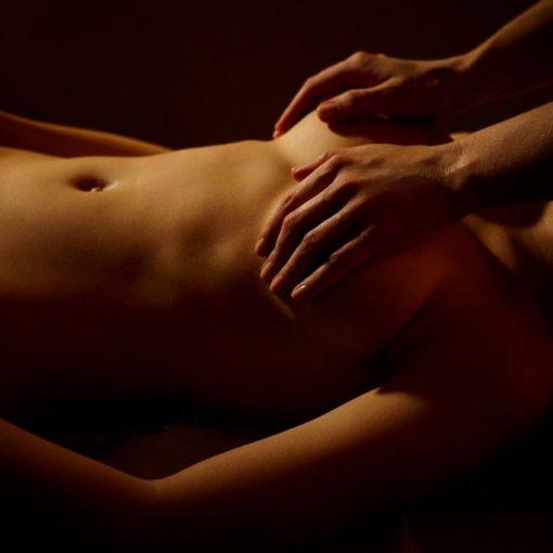 Начало эротического массажа