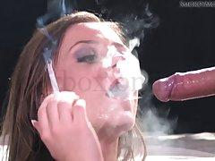 Пьяная шкура курит сигарету и сосет хуек пацана